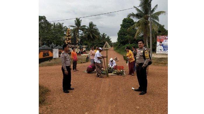 Puluhan Umat Hindu Rayakan Nyepi, Polsek Payung Bangka Selatan Amankan Tempat Ibadah dan Patroli