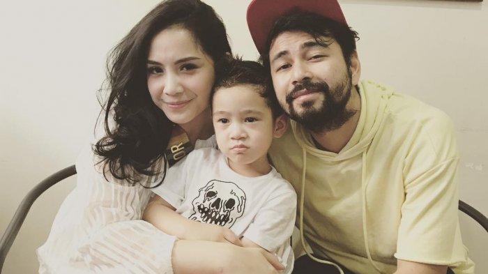 Raffi Ahmad Menyutradarai Rafathar Dibantu Nagita Bergaya 3 Bahasa Kocak Banget plus Goyang Bocah