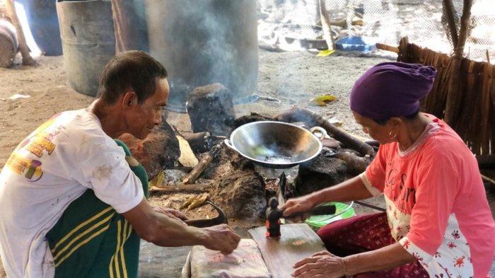 Diusia 10 Tahun Rahina Sudah Produksi Baguk, Desa Pulau Seliu Belitung Sentral Emping Melinjo