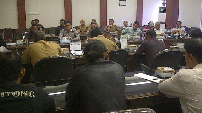 DPRD Berikan Dua Solusi Terkait Permasalahan Jalan di Billiton Regency