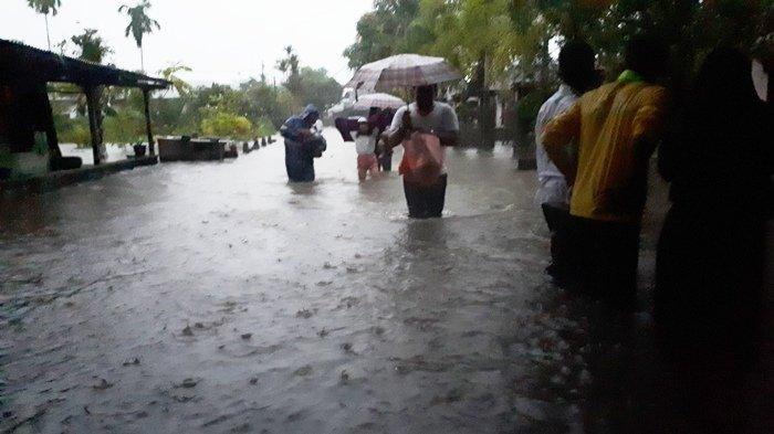 BREAKING NEWS: Tagana Bangun Dapur Darurat di Kampung Amau