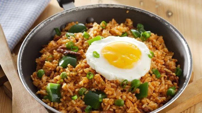 Jangan Makan Nasi Goreng Dicampur Bahan-bahan Ini, Bahaya!