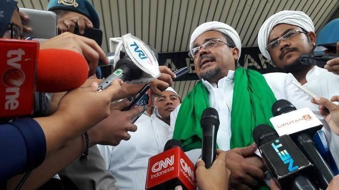 Rizieq Shihab Bersama Para Pemuka Agama Iringi Kepulangan Demonstran