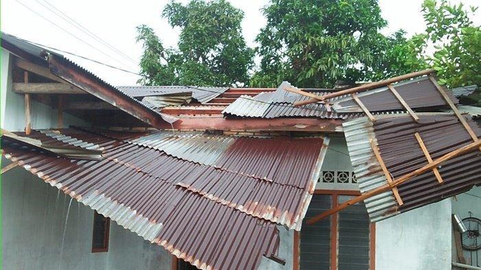 Tiga Atap Rumah di Manggar Tersapu Angin Puting Beliung, Satu Rusak Berat Dua Rusak Ringan