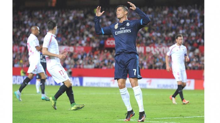 Kalah 2-3 dari Sevilla, Madrid Tergusur Barca