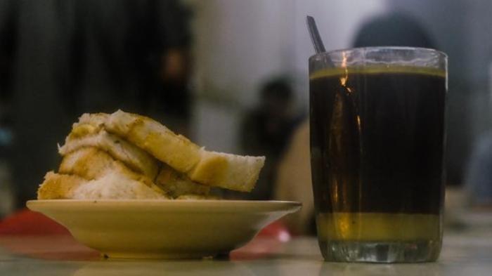 Mengenal Perbedaan Kopitiam dan Kafe Kopi, dari Serapan Budaya hingga Makanan Pendamping