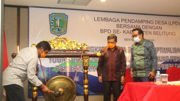 Bupati Belitung Tekankan Fungsi Pengawasan Saat Buka Bimtek BPD