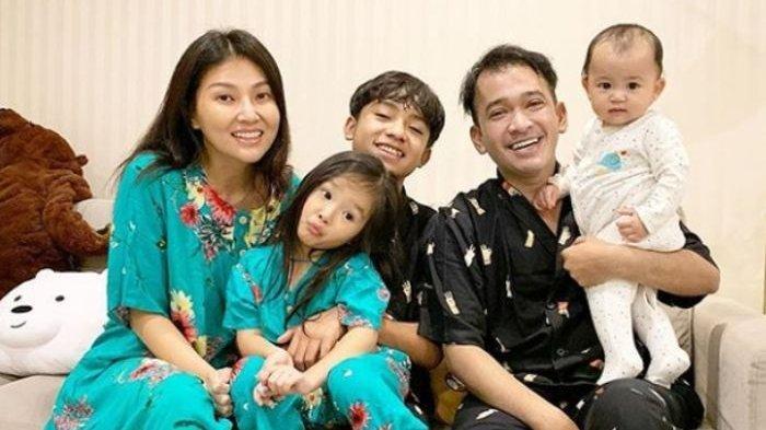 Ruben Onsu dan Keluarga Main Lompat Tali Selama Isolasi Diri Akibat Virus Corona