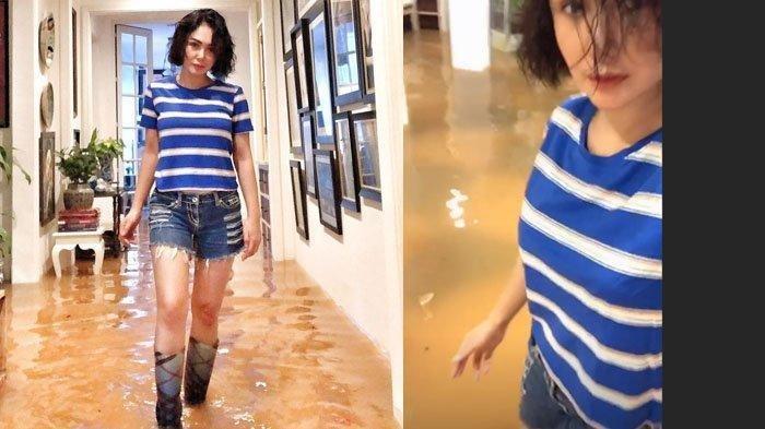 Rumah Kebanjiran, Yuni Shara Bersepatu Boots dan Celana Jeans Pendek di Dalam Rumah, Cantiknya