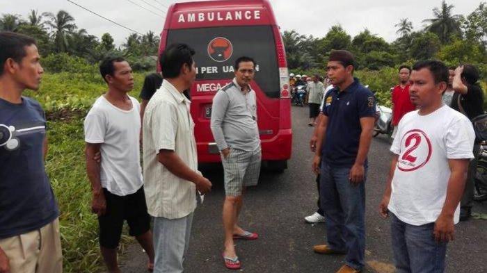 Rustam Sudah Perintahkan Bentuk Posko Banjir dan Kirim Bantuan ke Muntok - rustam_20170130_211545.jpg