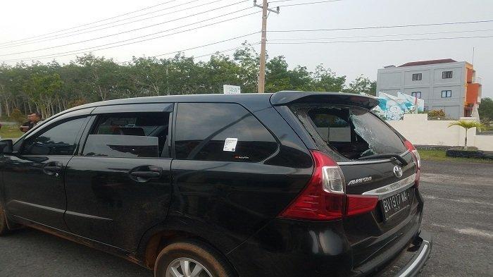 Mobil CRV Wagub Abdul Fatah Rusak Akibat Kericuhan Penertiban Tambang di Aliran Sungai Desa Sijuk