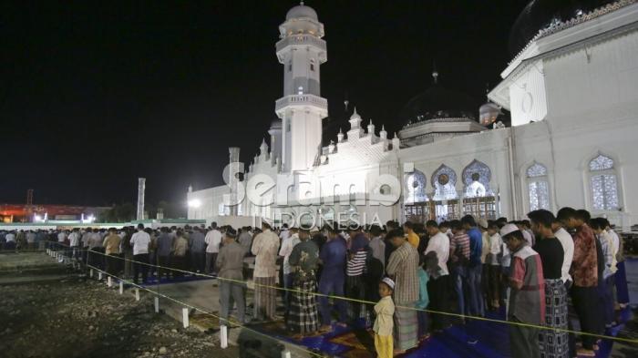 Keutamaan Sholat Tarawih Malam Pertama Ramadan Bersihkan Kita dari Dosa dan Terkabulnya Doa
