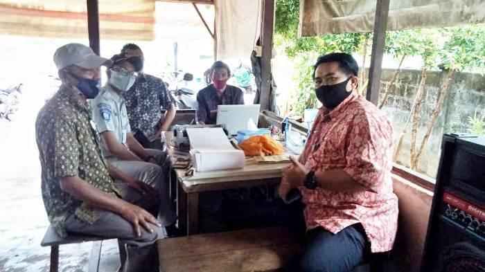 Samsat Belitung Timur Blusukan ke Kelapa Kampit Jalankan Program Setempoh