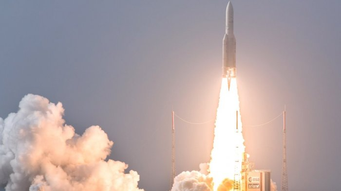 'Prancis Tuding Rusia Memata-matai dari ruang angkasa'