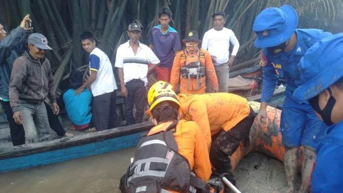 Sawi (23) pemancing udang yang tenggelan di perairan Labuh Air Pandan, Kecamatan Mendo Barat, Kabupaten Bangka, ditemukan meninggal dunia, Minggu (19/8/2020)