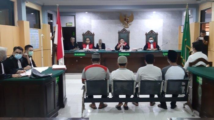 Sidang Perdana Kericuhan Penertiban TI Sijuk Digelar, Sembilan Terdakwa Dengarkan Dakwaan JPU