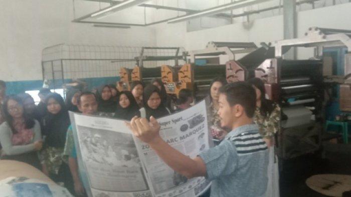 Siswa SMAN 1 Manggar Belitung Timur Belajar Jurnalistik di Pos Belitung