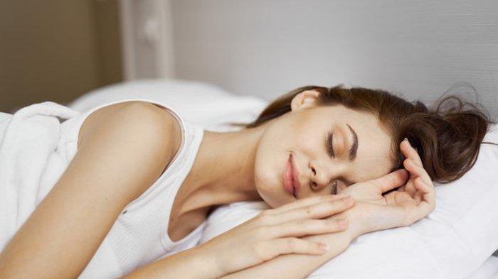 4 Cara Tidur Ini Bisa Bantu Turunkan Berat Badan, Nanti Malam Bisa Dicoba!