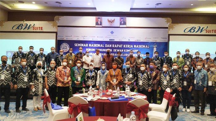Bank Sumsel Babel Tuan Rumah Seminar dan Rakernas FKDK BPDSI - seminar-dan-raker-nasional-suasana-seminar-nasional-dan-rapat-kerja-nasional-forum-komunikasi.jpg