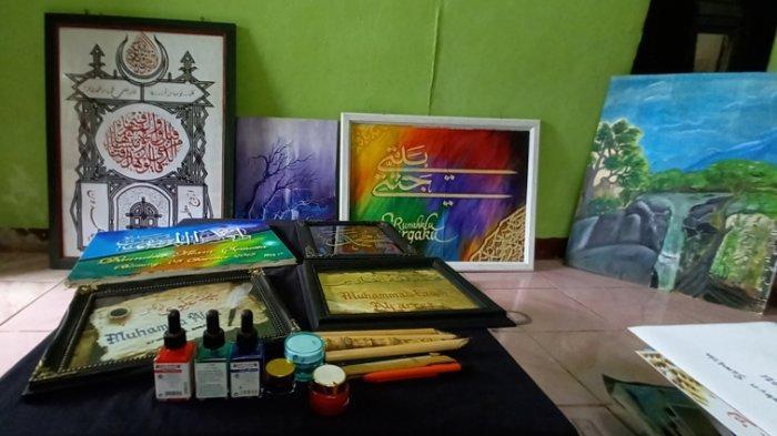 Hasil karya Hendrik Saputra (26) seniman kaligrafi dari Belitung
