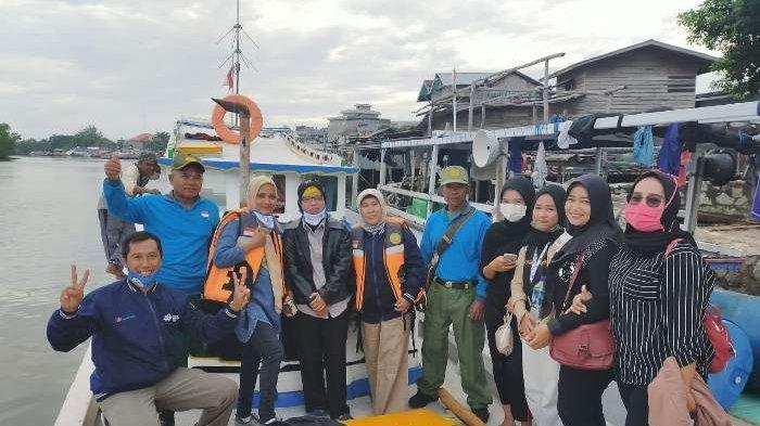 Suasana pensensusan penduduk di Pulau Buku Limau, Manggar, beberapa waktu lalu.