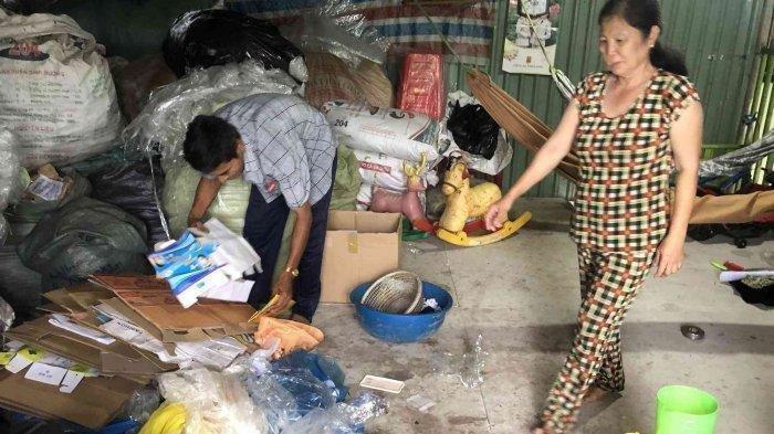 Tahu Rasanya Hidup Melarat, Pengepul Sampah Ini Kembalikan Tas Isi Uang Ratusan Juta