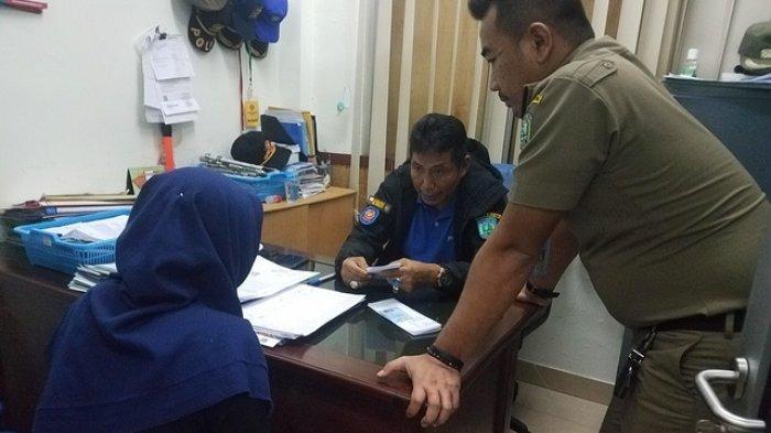 Petugas Satpol PP Belitung Intai Pasangan Bukan Suami Istri Berdua di Kos,Lampu Mati dan Tutup Pintu