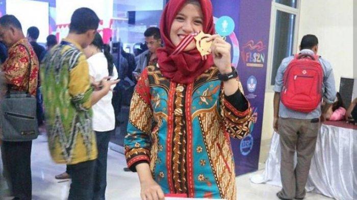 Siswi SMA N 1 Manggar Sabet Medali Emas FLS2N di Kupang