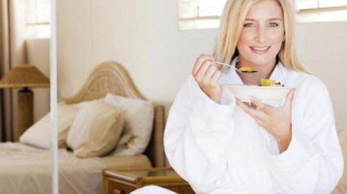 Terdengar Aneh, Coba Makan di Depan Cermin dan Lihat Hasilnya Badan Bisa Langsing