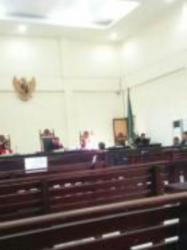 Hiiiiii, Penampakan Misterius Tertangkap Kamera Saat Sidang Tipikor, Dua Hakim Dikabarkan Sakit