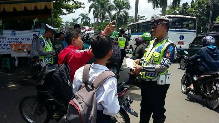 Jawaban Dua Bocah SMP Saat Ditilang Polisi, Bikin Ketawa