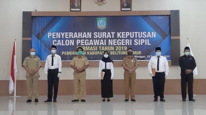 Penyerahan simbolis SK CPNS formasi 2019 Pemerintah Kabupaten Belitung Timur bertempat di Auditarium Zahari MZ, Selasa (29/12/2020)