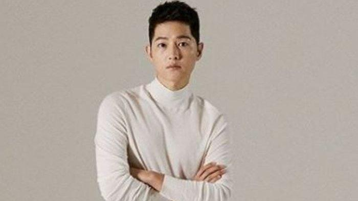 Song Joong Ki Beberkan Kehidupan Lajangnya Selama Pandemi, Nonton Film hingga Cuci Piring!
