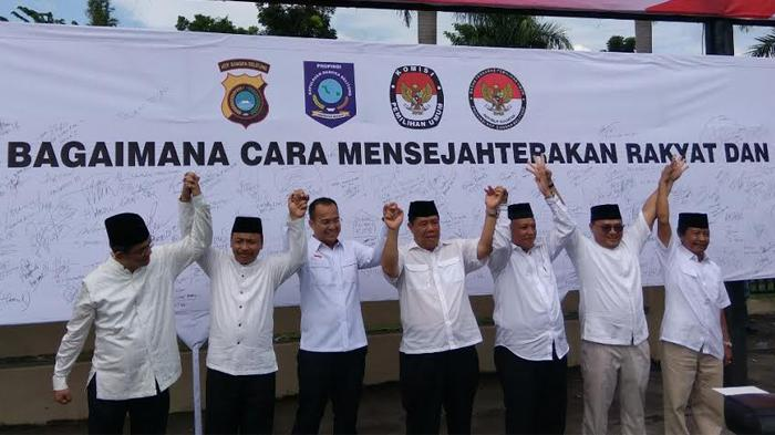 4 Pasangan Calon Teken Deklarasi Kampanye Damai di Polda Bangka Belitung