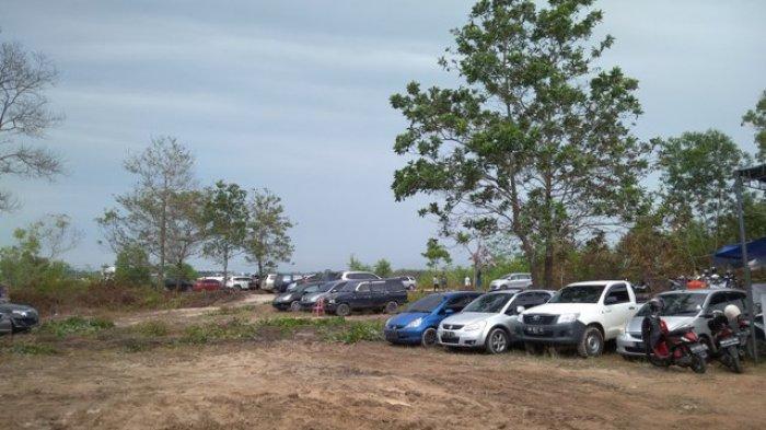 Lahan Parkir MXGP Becek, Tukang Parkir Mengeluh