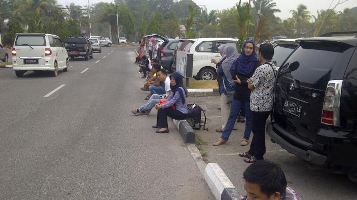 Baru Parkir Sebentar di Bandara Harus Bayar Tiket Parkir Rp 200.000, Netizen Kaget, Begini Ceritanya