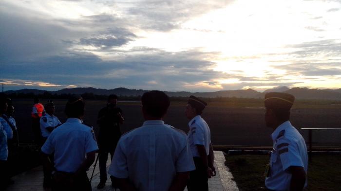 Pesawat Sriwijaya Air Mendarat di Belitung Tepat Saat Gerhana Terjadi