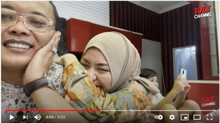 Akhirnya Berdamai, Nathalie Holscher Pulang ke Rumah Sule Disambut Si Bungsu