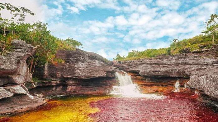 Unik, Sungai Ini Punya Lima Warna, Kok Bisa?