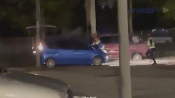 Video Viral Polisi Terbawa Mobil Saat Pergoki Pemuda Bercinta, Pelaku Tabrak Tiang Listrik