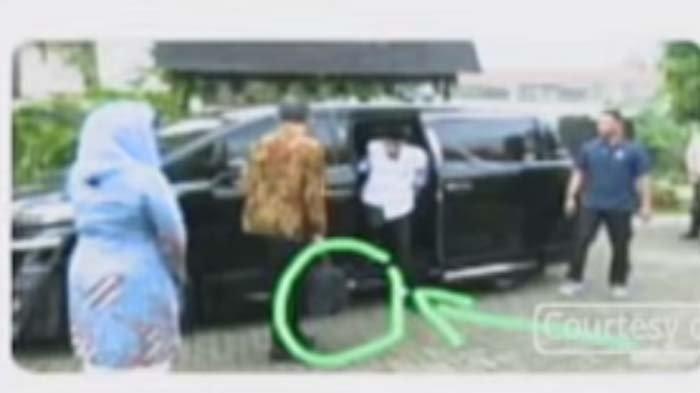 Yenny Wahid Angkat Bicara Soal Tas Hitam Jokowi Saat Datangi Rumah Gus Dur, Ini Isinya