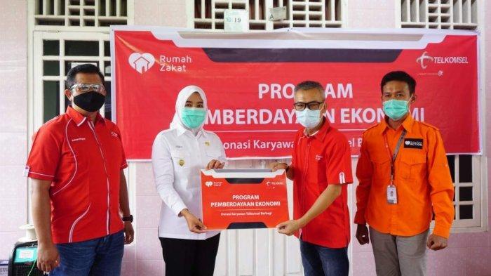 Tingkatkan Ekonomi Masyarakat, Telkomsel Bersama Rumah Zakat Hadirkan Program Desa Berdaya