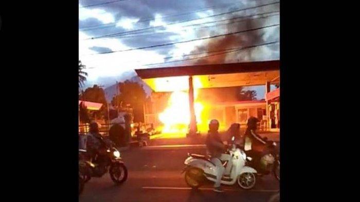 Warga Panik, Mobil Angkut Tabung Gas Terbakar di Area SPBU Cianjur