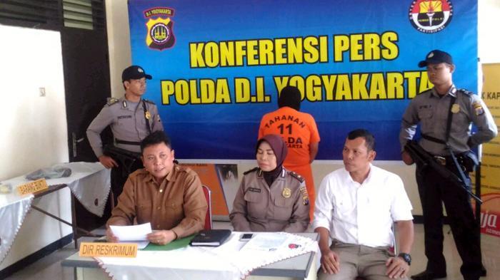 Saat Polisi Ungkap Cara Purnawirawan TNI Ini Merakit Bom Molotov