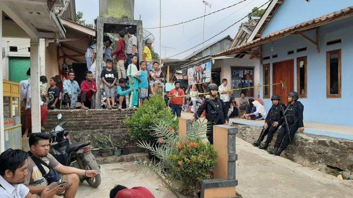 Kedua Orang Tua Fitri Andriana Tak Menyangka Anaknya Jadi Pelaku Penusukan Wiranto