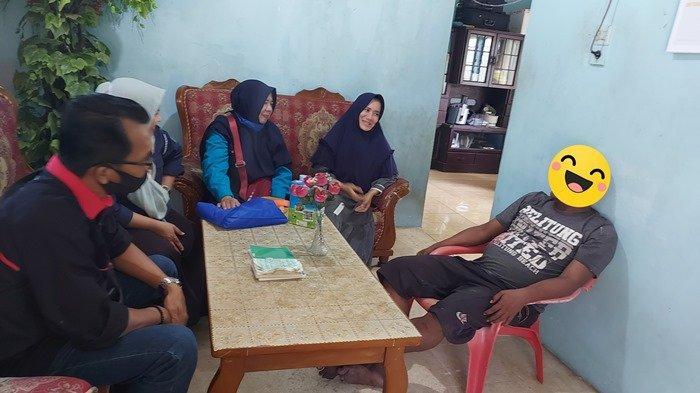 Kisah Elly Beri Dukungan pada Adiknya yang Berstatus OGJ di Manggar Hingga Membaik