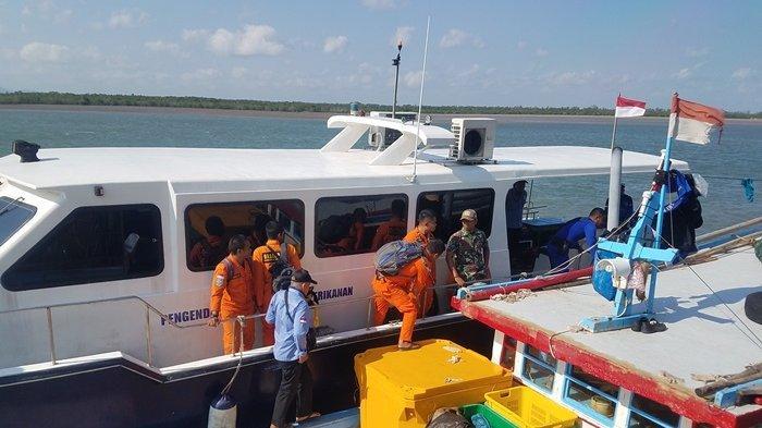 BREAKING NEWS: Kapal Terbalik Saat Tabrakan, ABK KM Melida Sempat Mencari Korban KM Rezeki