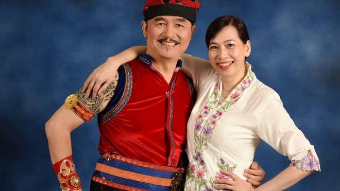 Huang Hua Mantan Juara Dunia Bulu Tangkis Masih Suka Terbalik, Hingga Suami Tersenyum
