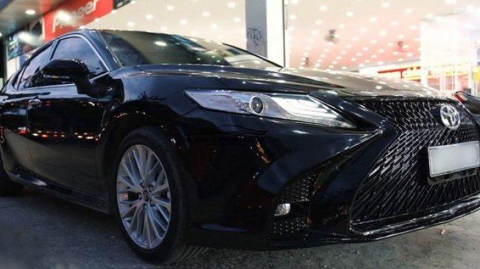 Modifikasi Toyota Camry Lebih Modern, Pakai Velg Model Akar