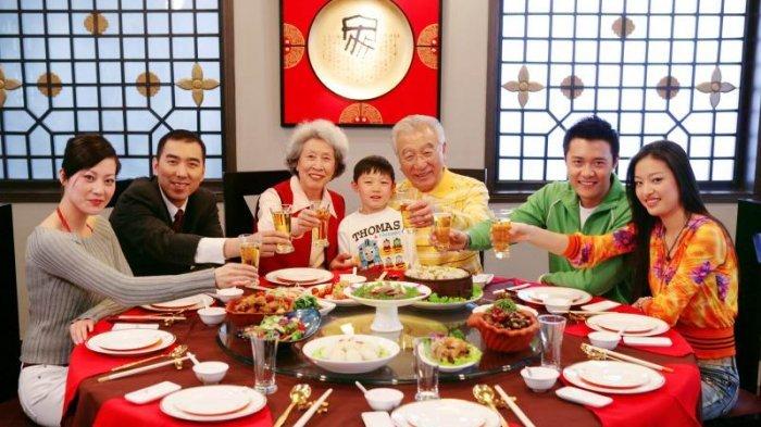 5 Tradisi Orang China Jarang Diketahui, Termasuk Kebiasaan Minum Air Panas